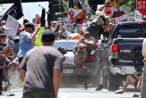 aptopix-confederate-monuments-protest.jpg