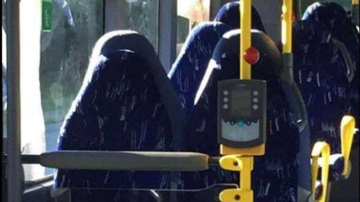 Racist Norway anti-immigrant group mistakes bus seats for Muslim women in burkas
