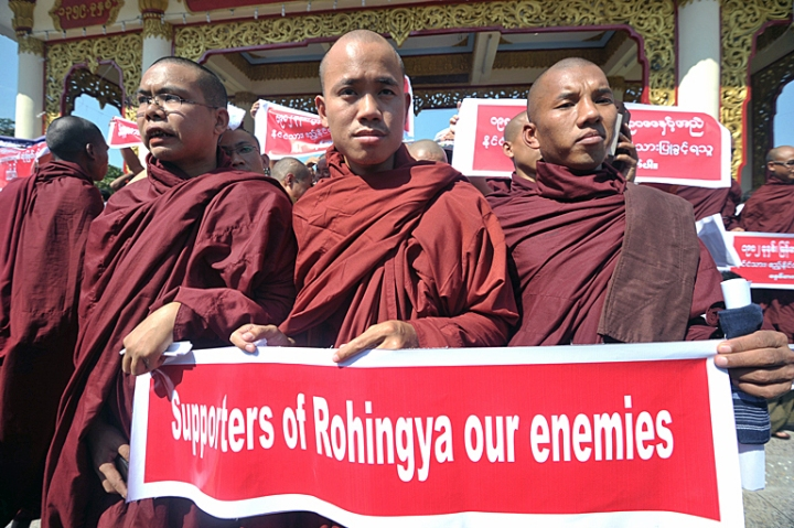 myanmar-monks-protest-rohingya-jan16-2014