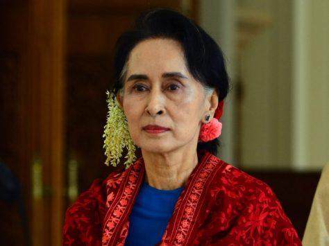 27-Aung-San-Suu-Kyi-AP-696x522