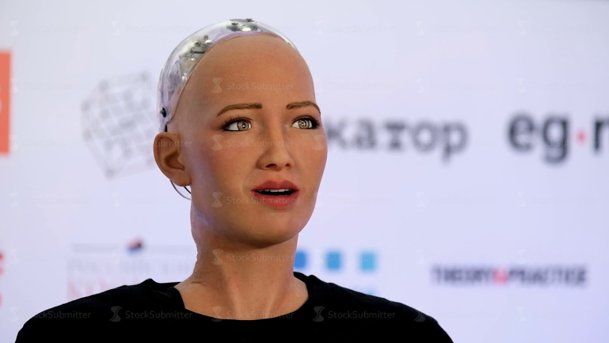 First Female Robot Granted Citizenship By Saudi Arabia, And Many People Are Angry
