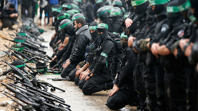 Palestinian-members-of-al-Qassam-Brigades-the-armed-wing-of-the-Hamas-movement
