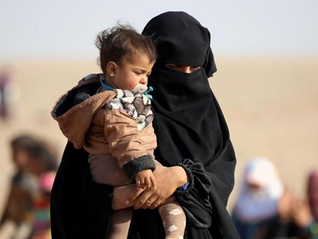 topshot-syria-iraq-conflict-refugees_58673156-9cca-11e6-84cd-7afcc7591aa7